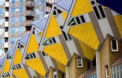 Un ostello nelle case cubo di Rotterdam