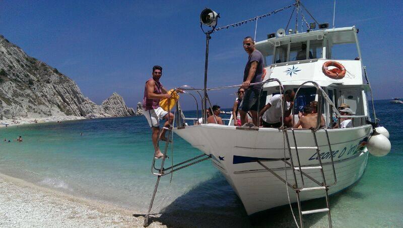 traghettatori-del-conero-spiaggia