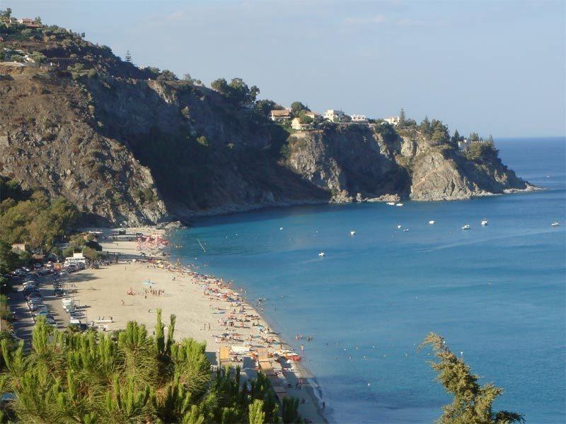 Matrimonio Spiaggia Soverato : Montepaone lido vacanze low cost in calabria viaggi