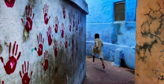 Steve McCurry in mostra a Genova fino a febbraio 2013 – prorogata