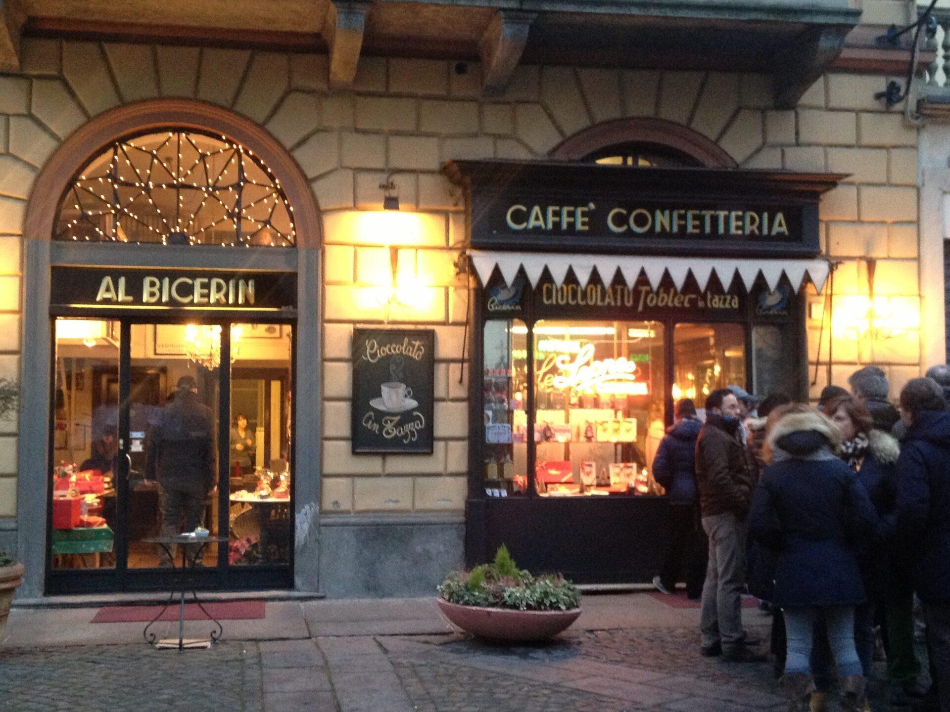 Al bicerin di torino dove prendere il caff storico in citt for Mangiare vicino al giardino di ninfa