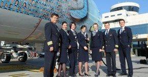 Turkish Airlines, niente alcolici in volo e gonne sotto il ginocchio