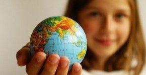 I posti migliori dove nascere secondo l'Economist