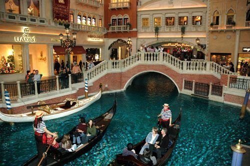 Las Vegas, gli hotel più pazzi e più fotografati