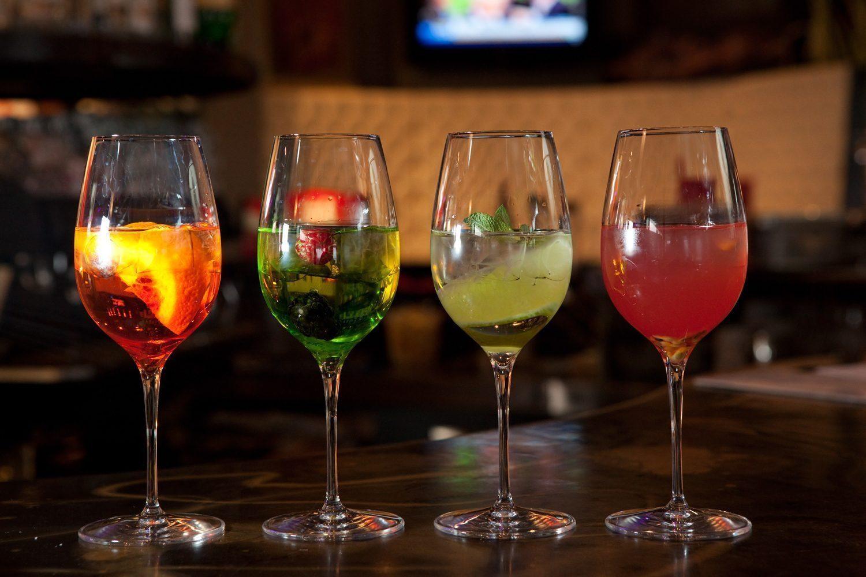 Spritz a verona i migliori buffet da aperitivo viaggi for Bicchiere da spritz