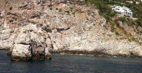 Costiera amalfitana: a Praiano, il presepe nella Grotta del diavolo