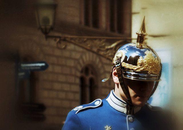 stoccolma-cambio-guardia