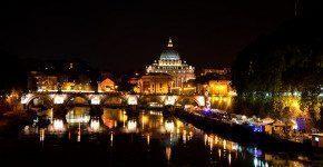 Lungo il Tevere Roma, mercatini d'estate