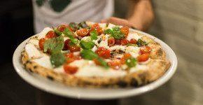 Porto Fluviale: ristorante, pizzeria, banco, salotto tutto in uno a Roma