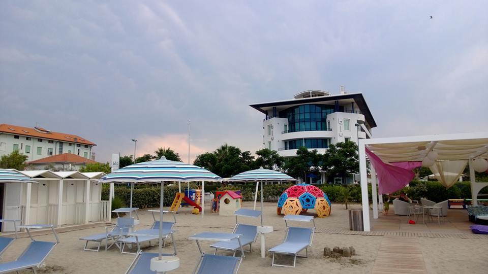 Relax tra spiaggia e spa al blu suite hotel di igea marina viaggi low cost - Bagno eden igea marina ...
