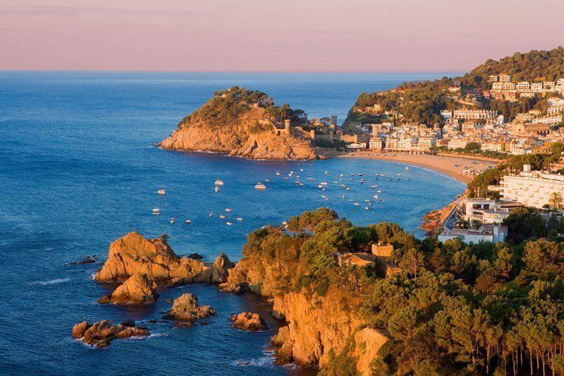 Costa brava pirenei di girona la meta perfetta in ogni for Barcellona vacanze low cost
