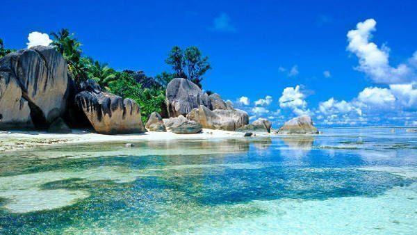 plage; seychelles, lagon; cocotier, rocher,tropical; réve; ile; océan; indien