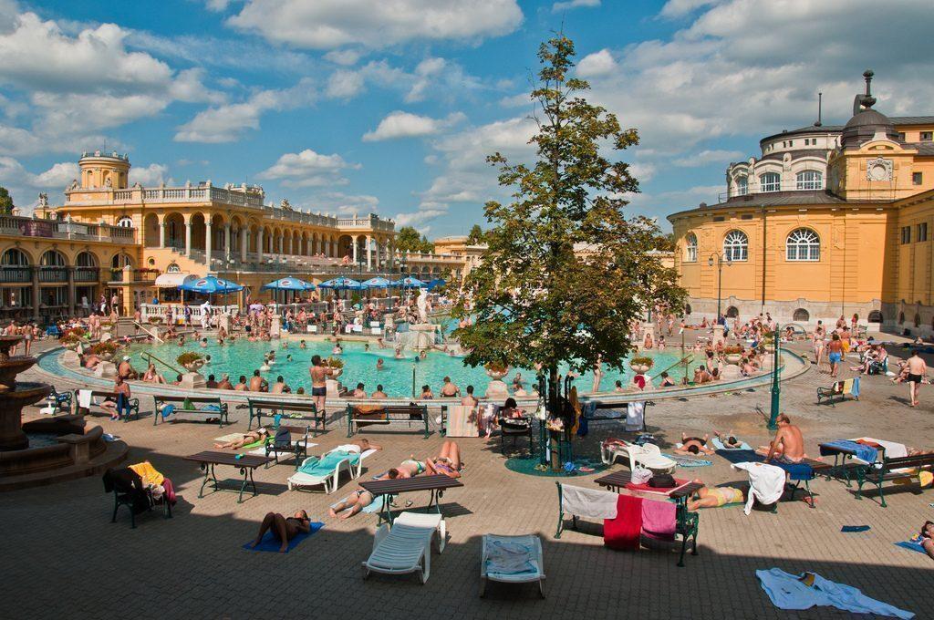 Bagni Széchenyi piscine