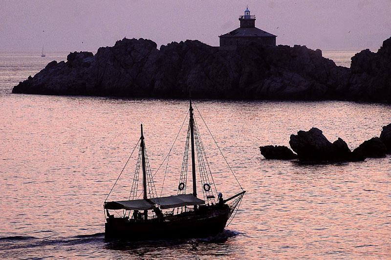 Grebeni-Lighthouse
