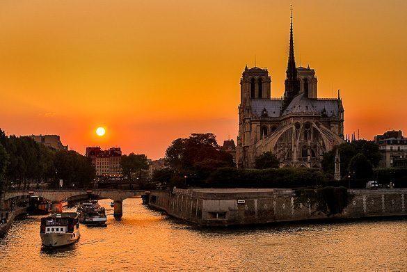 parigi-tramonto-romantico