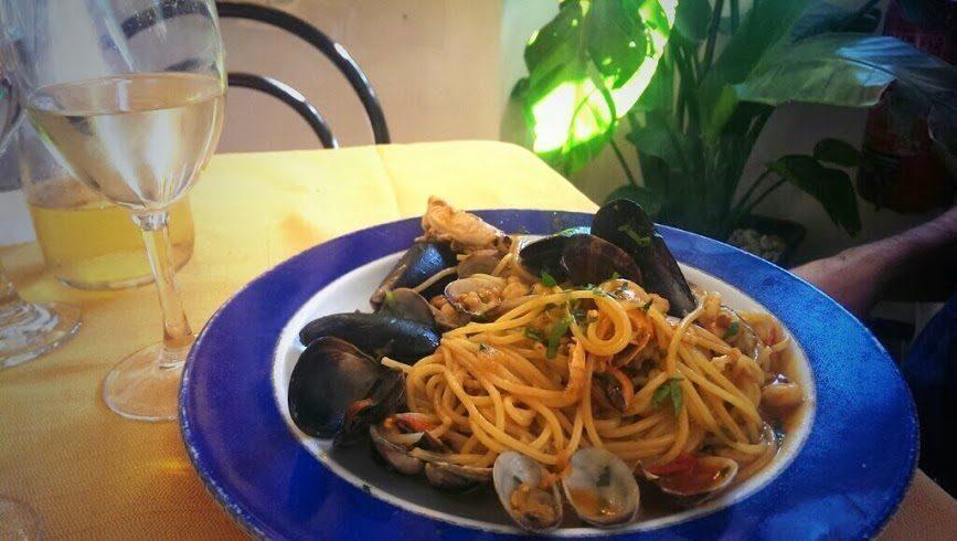 Dove mangiare ad acitrezza i ricci di mare consigli low cost - Cosa devo mangiare per andare in bagno ...