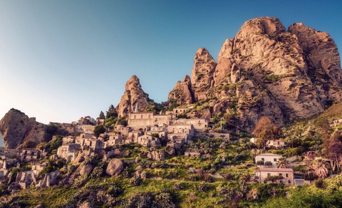 Borgo fantasma Calabria