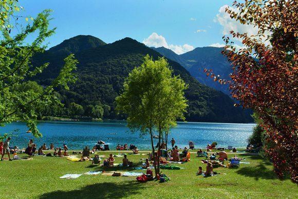campeggio-lago