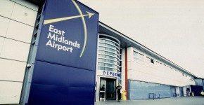 Organizzazione inglese all'aeroporto: East Midlands, UK