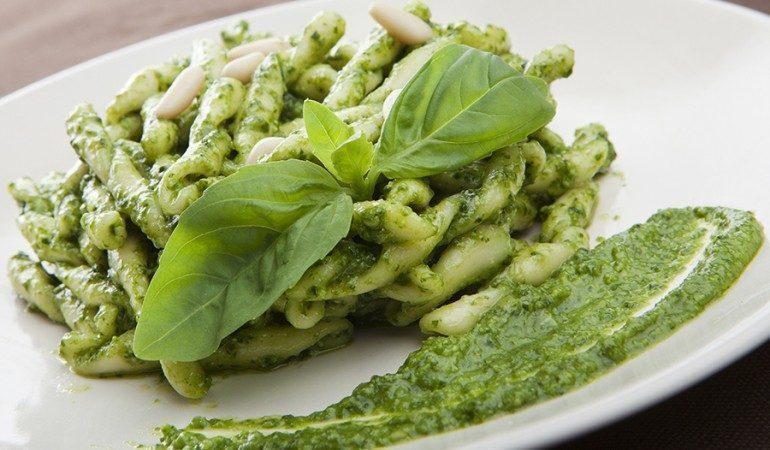 Genova dove mangiare e cosa mangiare 10 piatti tipici for Cucina arredi genova