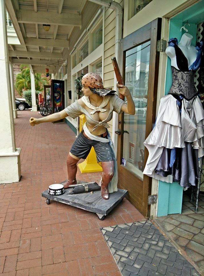 negozio pirati
