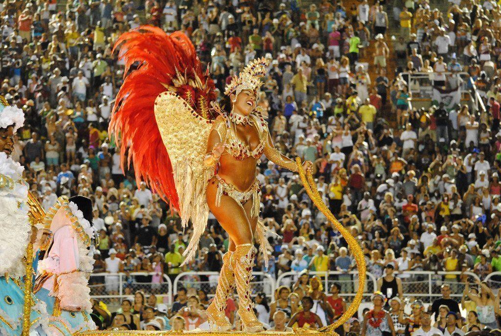 brasile-sfilate-carnevale