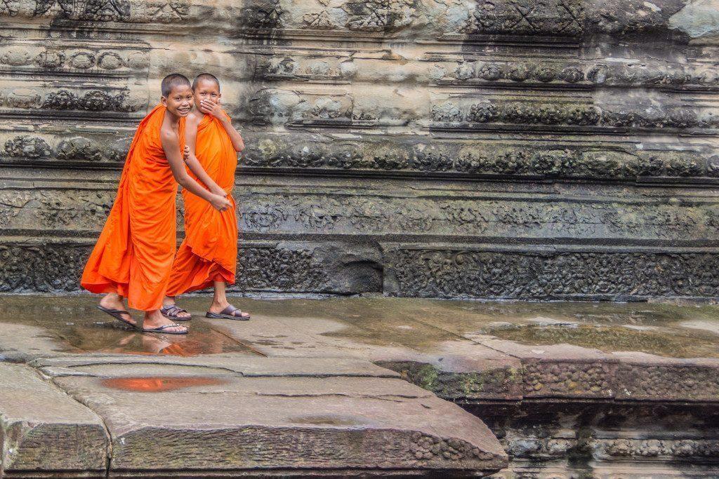 cambogia-monaci