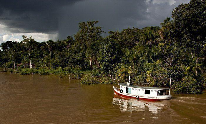 Barca Amazzonia