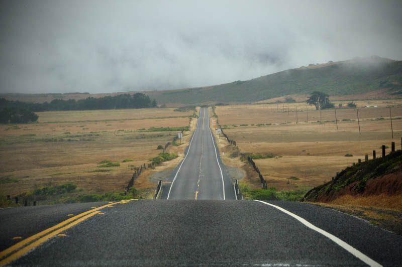 california-on-the-road-nebbia