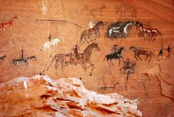 Canyon_de_Chelly-disegni-rupestri