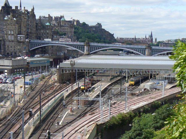 scozia-Edinburg Waverley