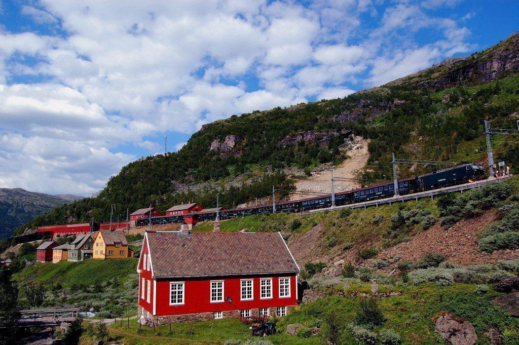 bergen-norvegia-in-treno