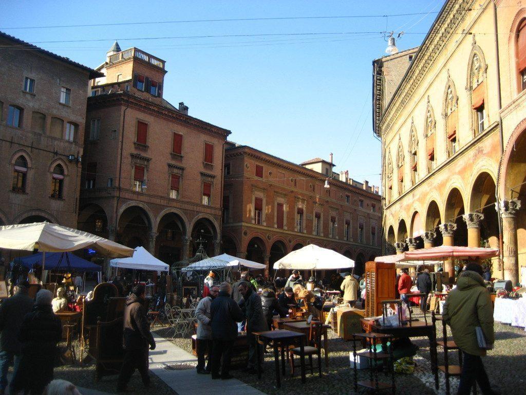 Flea_market_Bologna