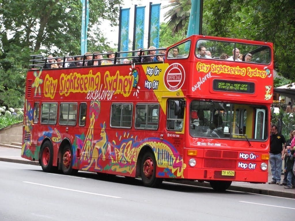sudney-Sightseeing bus