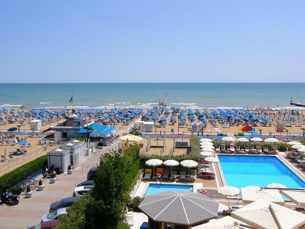 Hotel-Mariver-spiaggia