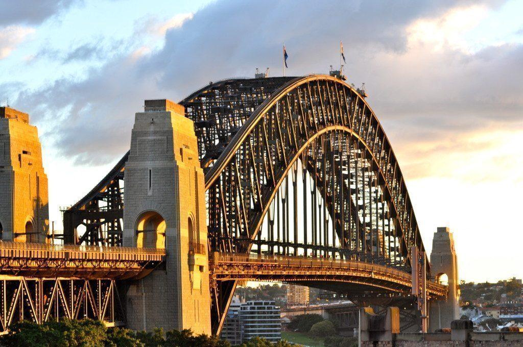 sydney-the-rocks-harbour-bridge