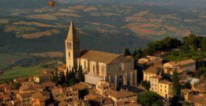 Todi: cosa vedere e cosa mangiare vicino Perugia
