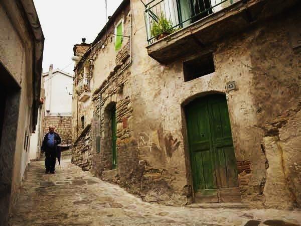 castelmezzano-vicoli