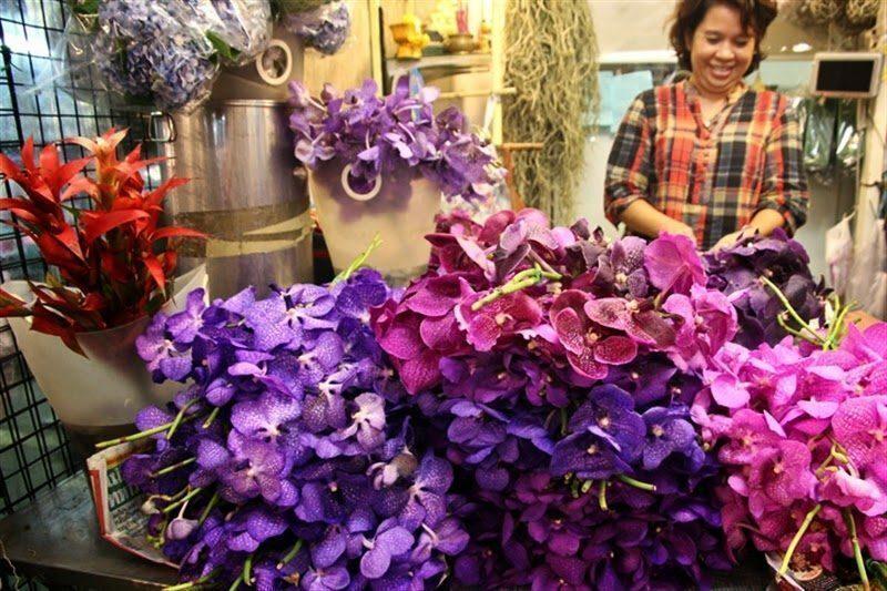 Shopping low cost a bangkok mercato galleggiante e tutti for Mostre mercato fiori 2017